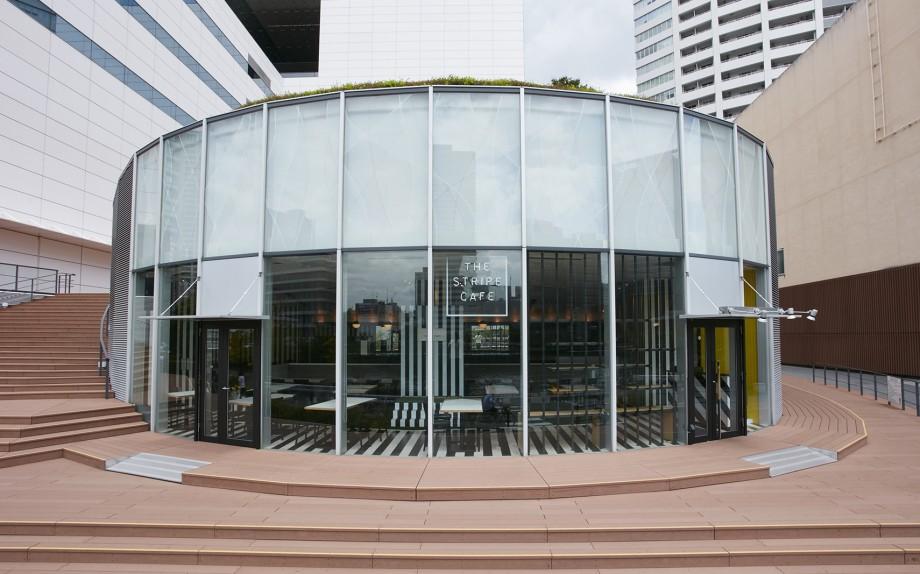 ストライプカフェ ほたるまち店